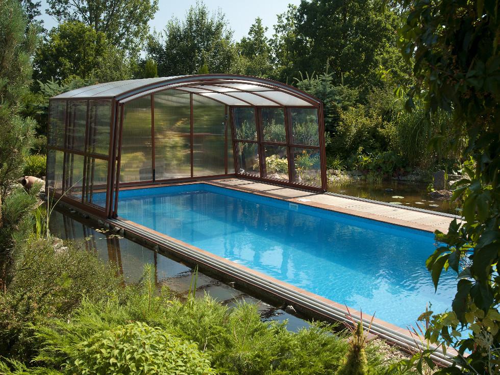 <h3> Schwimmbad- <br>Überdachungen </h3>